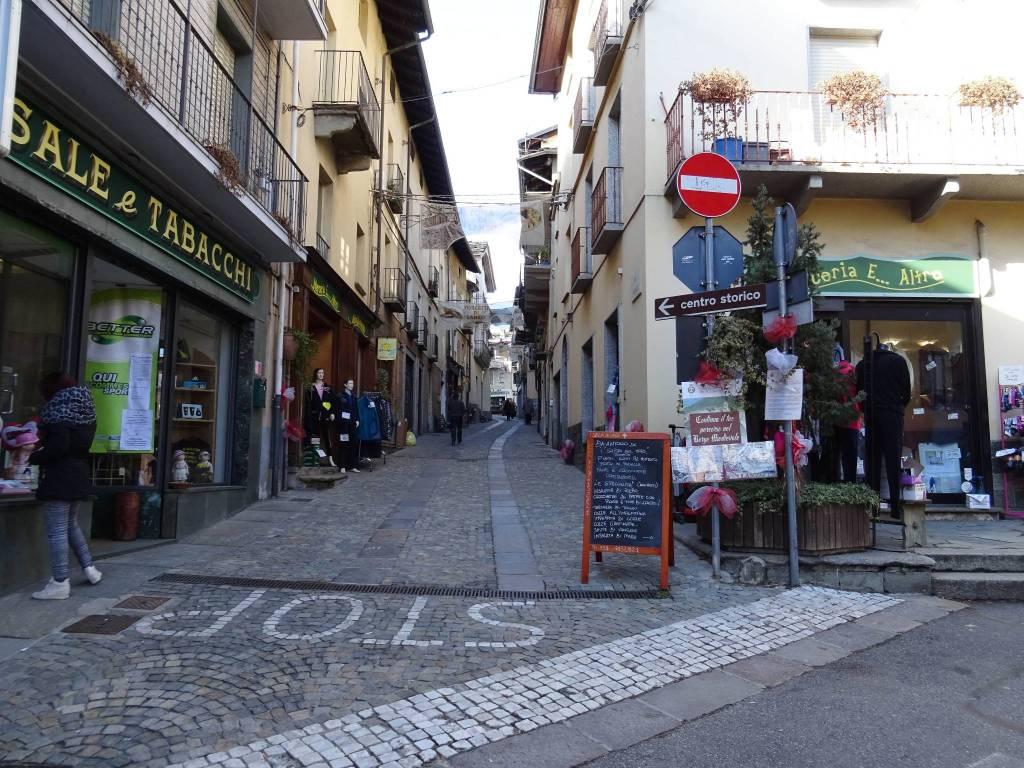 Negozio / Locale in affitto a Lanzo Torinese, 2 locali, prezzo € 350   PortaleAgenzieImmobiliari.it