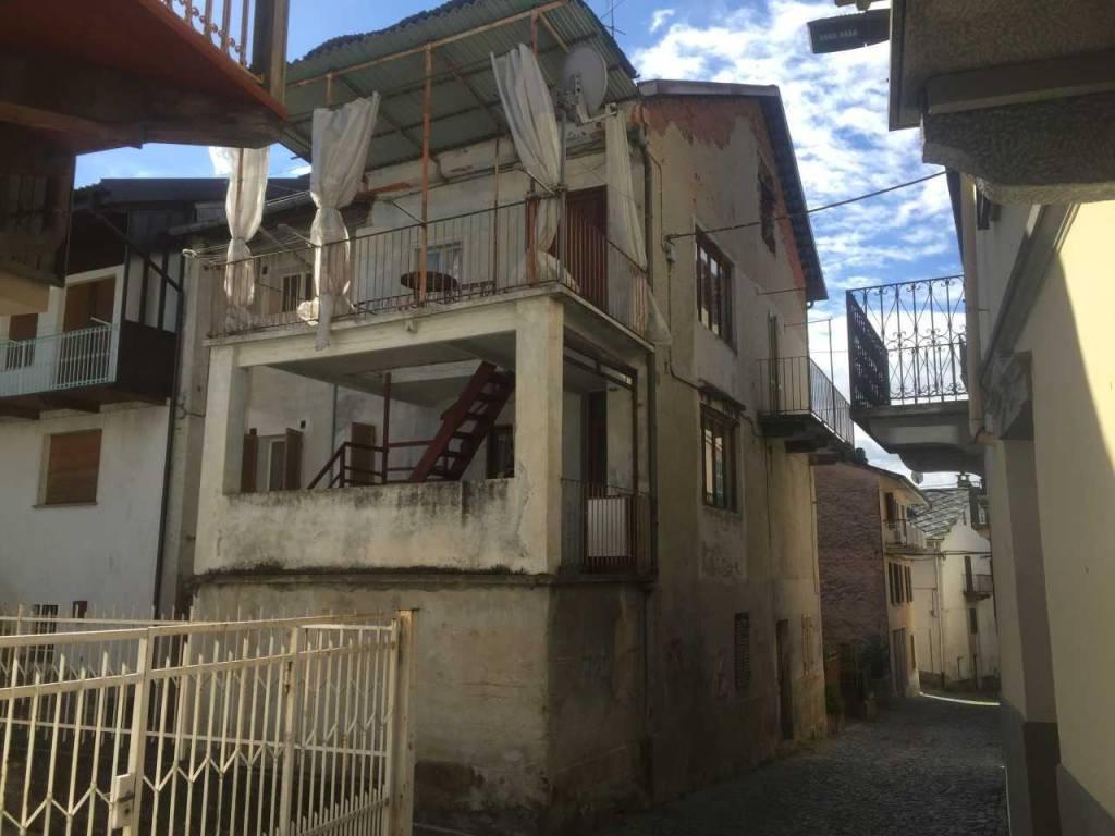 Soluzione Indipendente in vendita a Rueglio, 4 locali, prezzo € 33.000   PortaleAgenzieImmobiliari.it