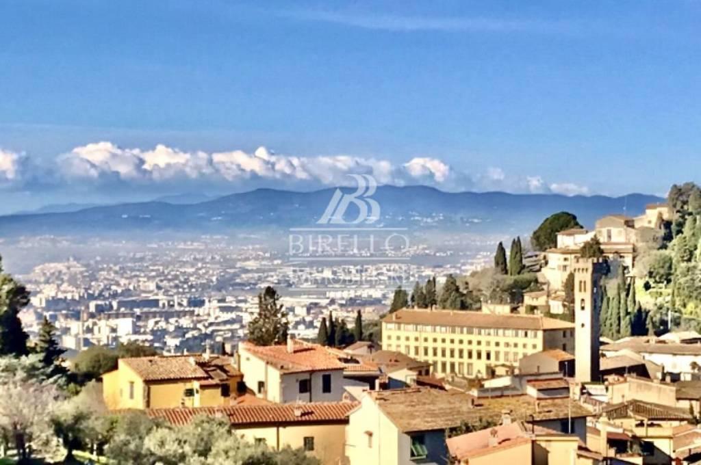 Appartamento in Vendita a Firenze Semicentro Est: 5 locali, 185 mq