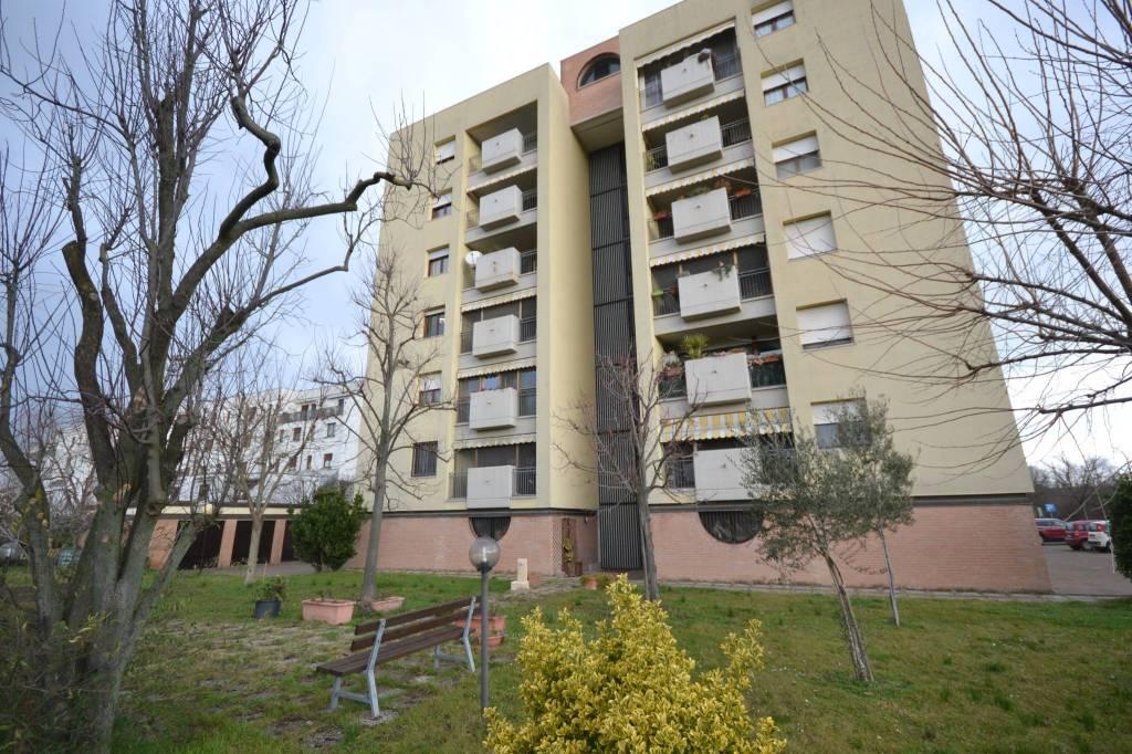 Appartamento in Vendita a San Giovanni In Persiceto Semicentro: 4 locali, 101 mq