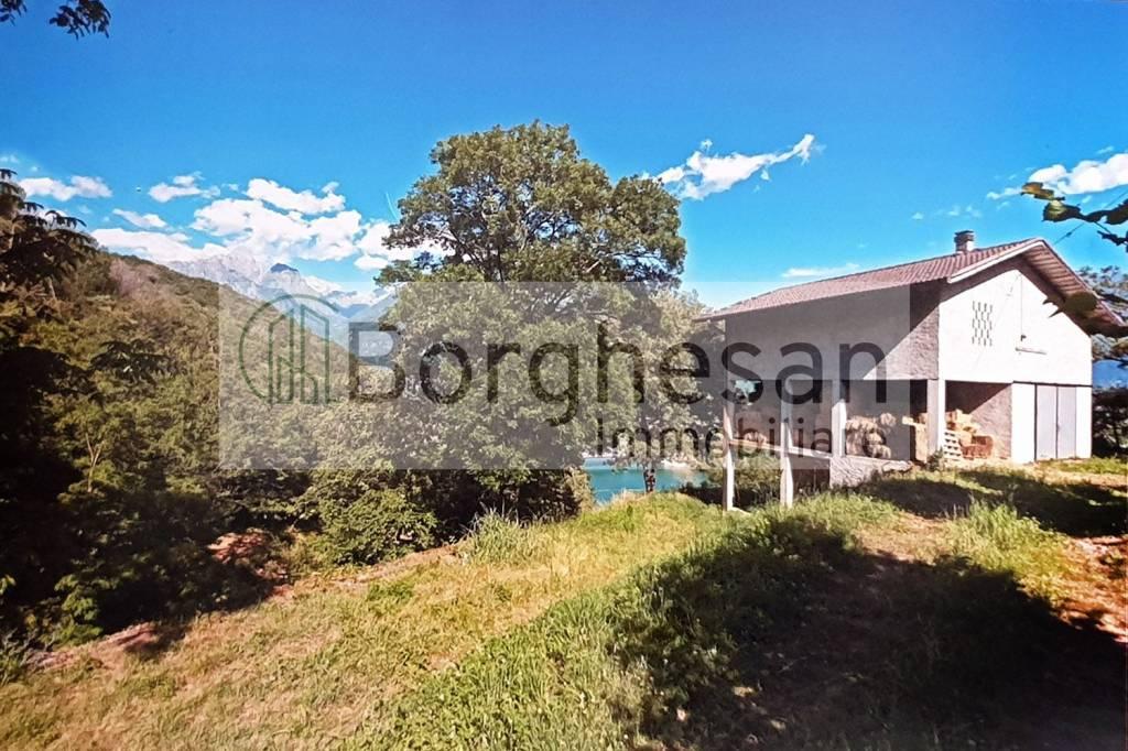 Rustico / Casale in vendita a Sorico, 12 locali, prezzo € 195.000 | PortaleAgenzieImmobiliari.it