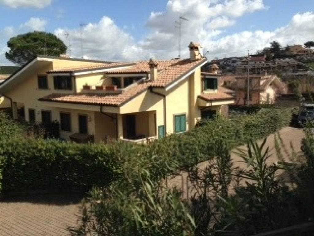 Villa a Schiera in vendita a Guidonia Montecelio, 6 locali, prezzo € 228.000 | CambioCasa.it