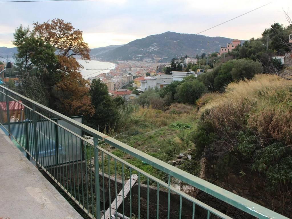 Appartamento in vendita a Alassio, 4 locali, prezzo € 195.000 | PortaleAgenzieImmobiliari.it