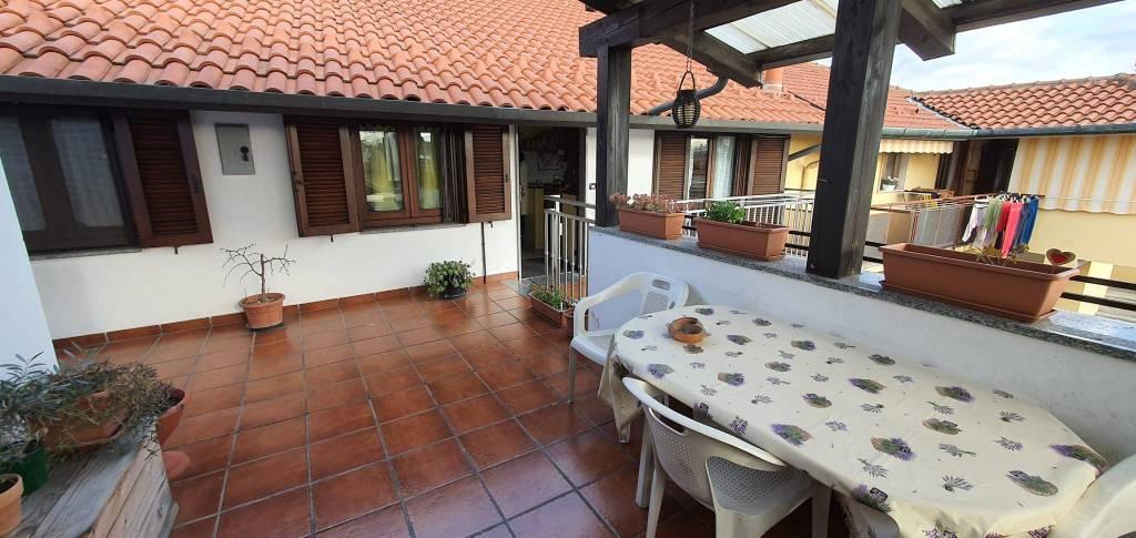 Appartamento in vendita a Origgio, 3 locali, prezzo € 138.000 | CambioCasa.it