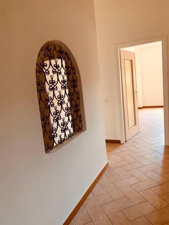 Appartamento in vendita a Brembate di Sopra, 3 locali, prezzo € 59.500 | CambioCasa.it