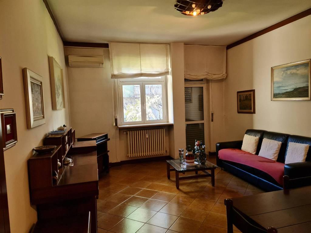 Appartamento in affitto a Saronno, 4 locali, prezzo € 1.100 | CambioCasa.it