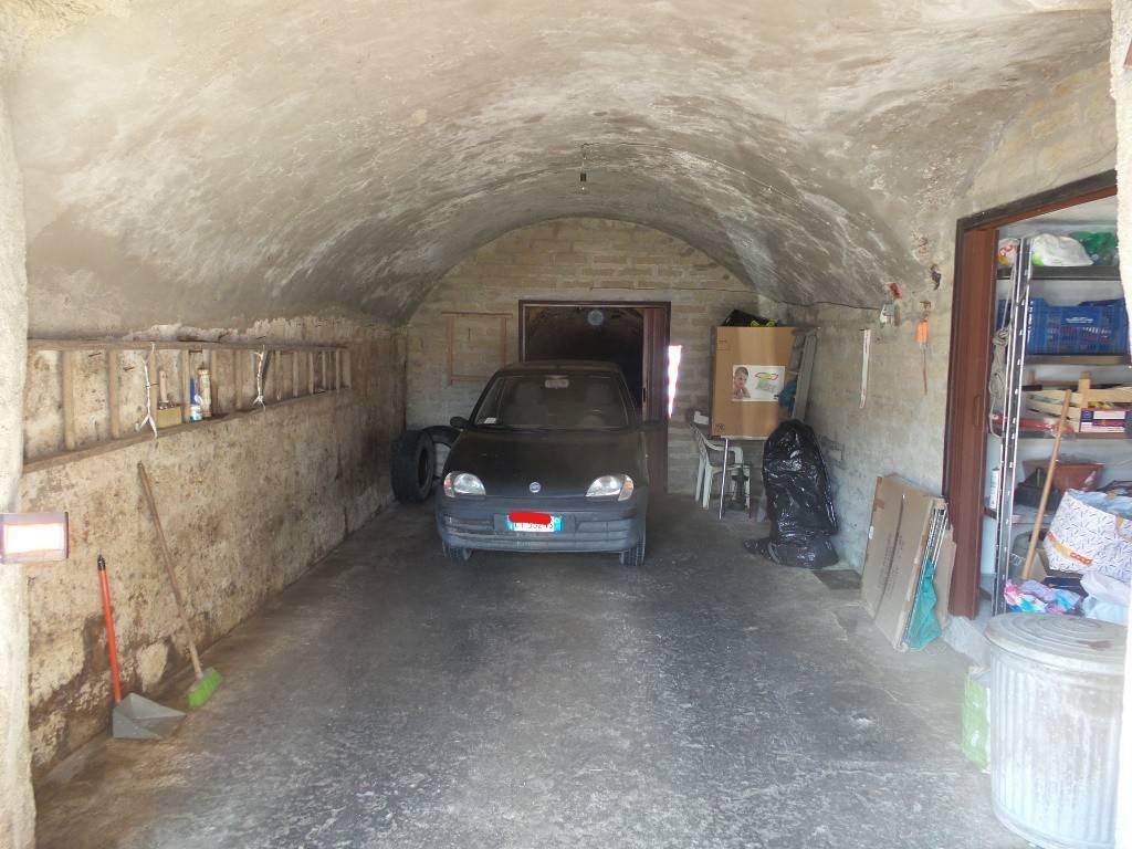 Box / Garage in vendita a Caprarola, 9999 locali, prezzo € 16.000 | CambioCasa.it