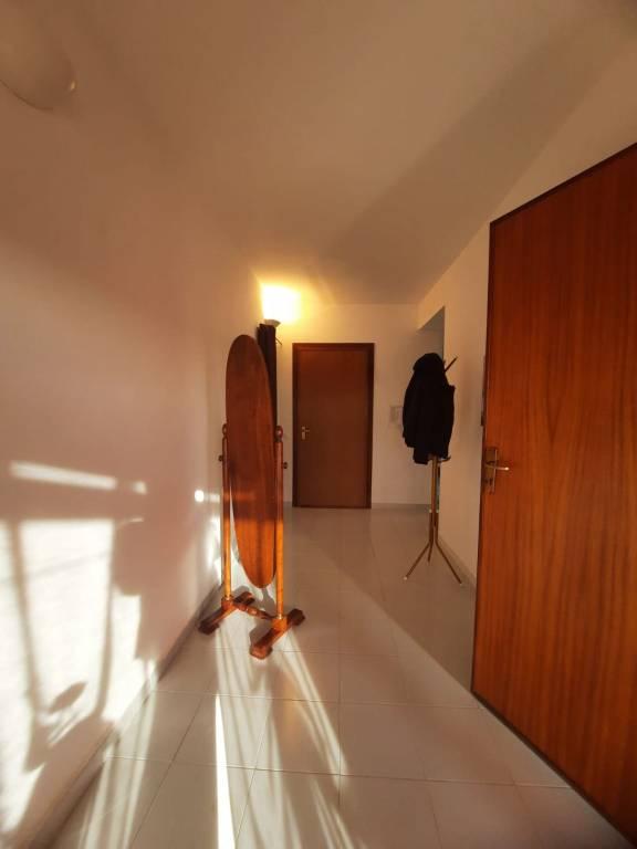 PIAZZA CESARÒ - Attico mq 120 ca, ampio 3 vani+accessori+posto auto oltre 100 mq ca di verande. Ott, foto 10