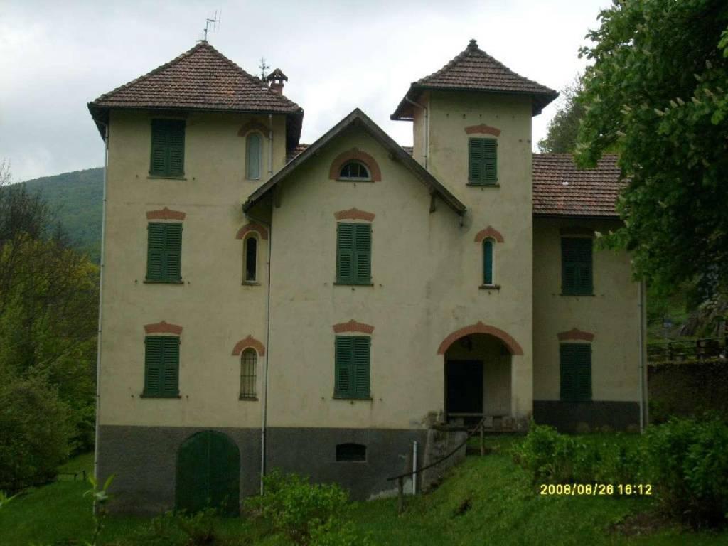 Villa in vendita a Tiglieto, 9999 locali, prezzo € 250.000 | CambioCasa.it