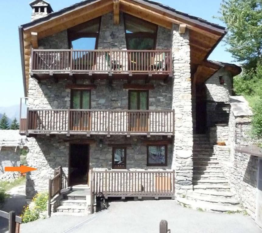 Appartamento in vendita a La Salle, 4 locali, prezzo € 140.000 | CambioCasa.it