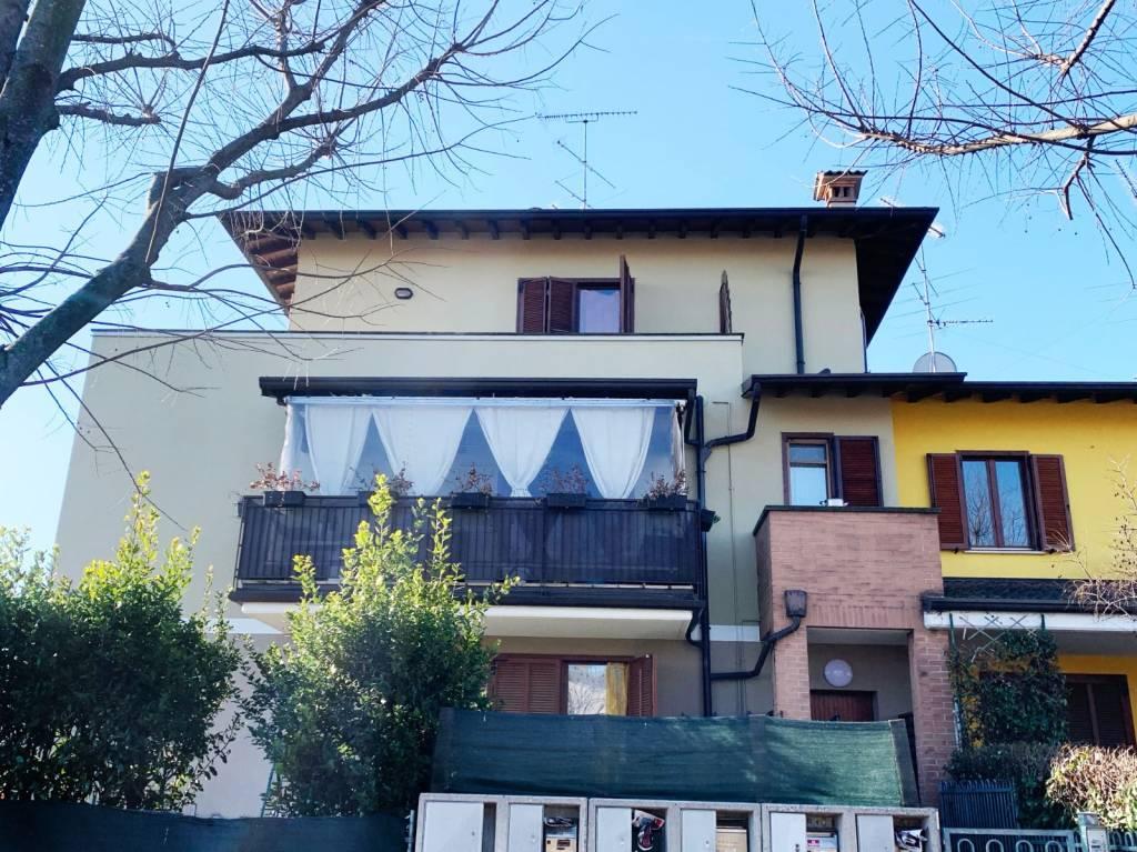Appartamento in vendita a Calcinato, 3 locali, prezzo € 105.000 | CambioCasa.it