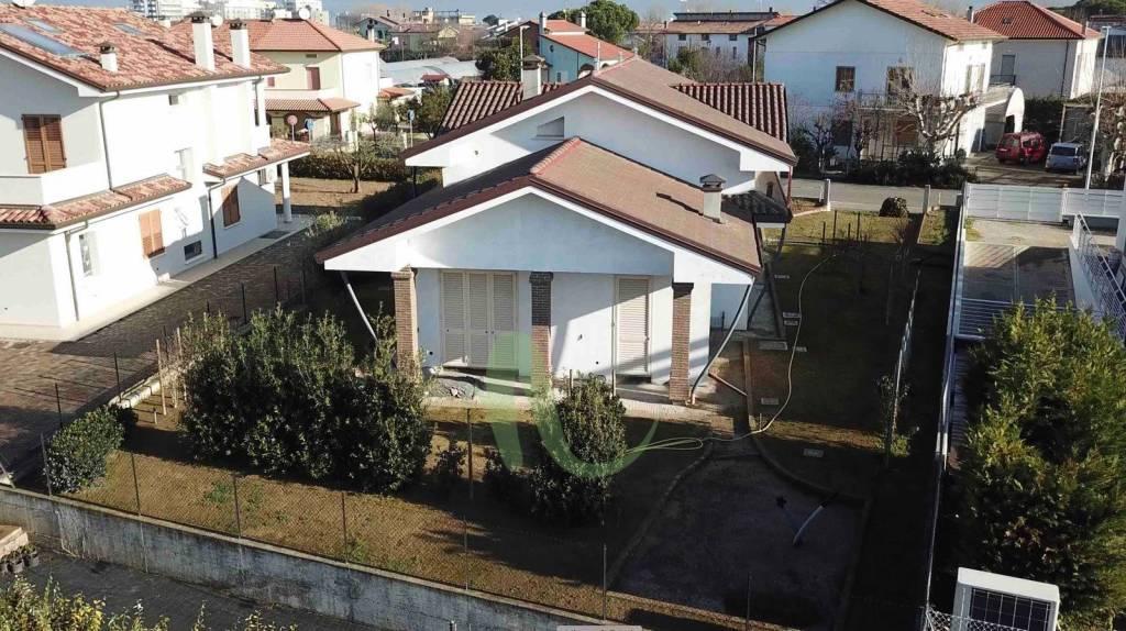 Villa in Vendita a Bellaria-Igea Marina Centro: 5 locali, 277 mq