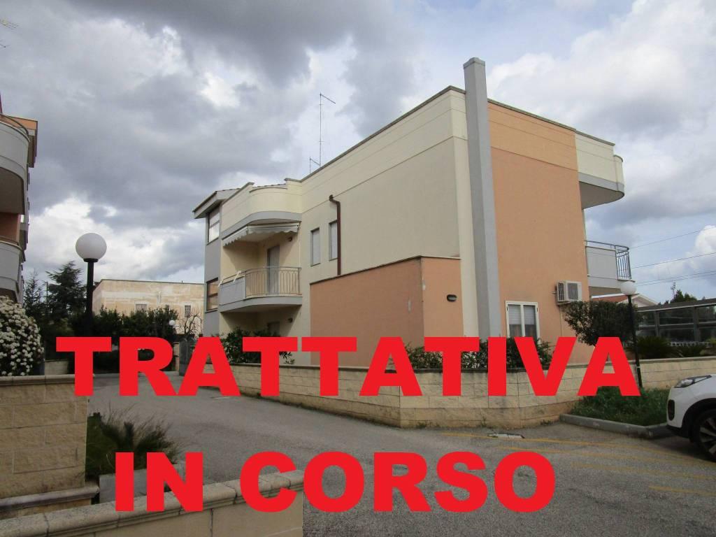 Appartamento in vendita a Statte, 4 locali, prezzo € 140.000 | CambioCasa.it