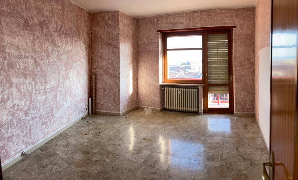 Appartamento in vendita a Volpiano, 3 locali, prezzo € 110.000 | CambioCasa.it