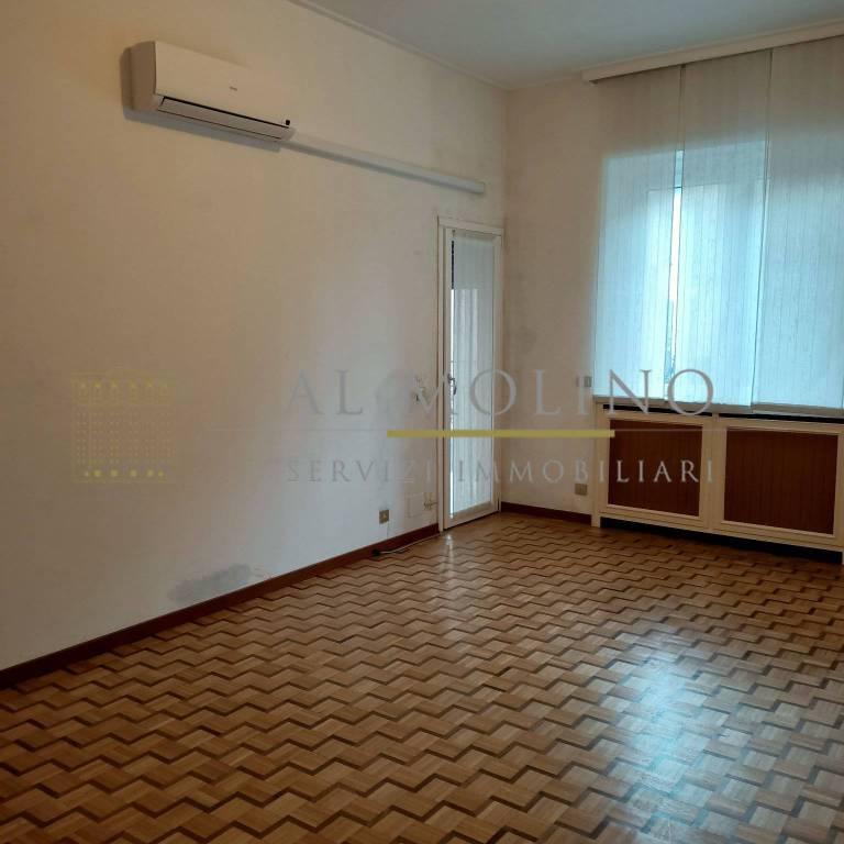 Appartamento in affitto a Saronno, 3 locali, prezzo € 650 | CambioCasa.it