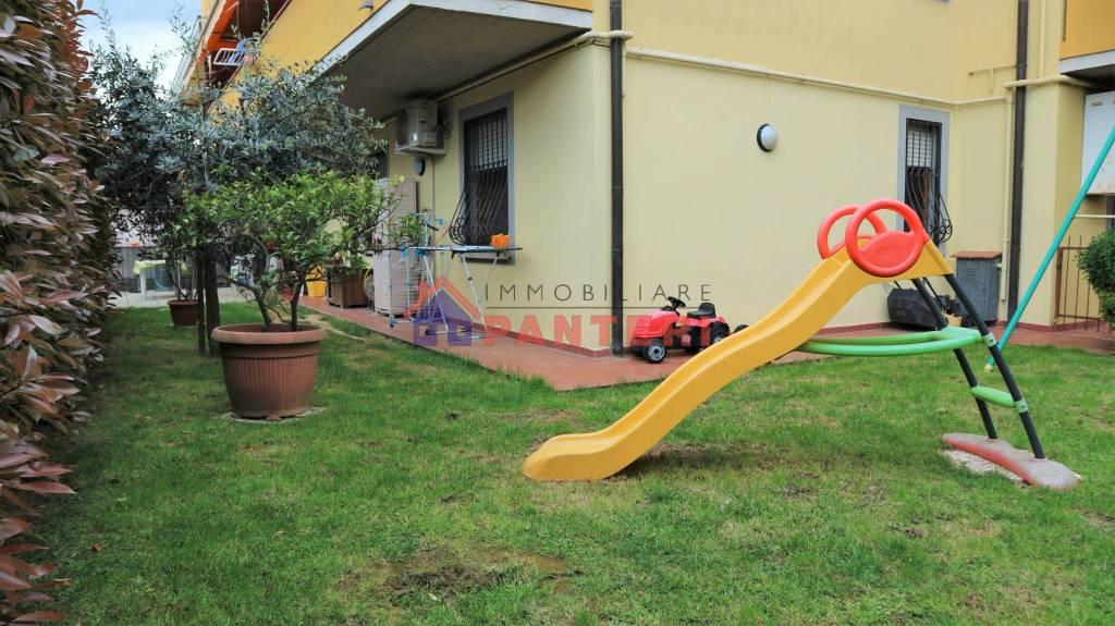 Appartamento in vendita a Uzzano, 3 locali, prezzo € 125.000   CambioCasa.it