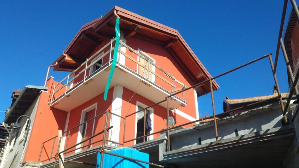 Soluzione Indipendente in vendita a Caluso, 3 locali, prezzo € 80.000 | CambioCasa.it