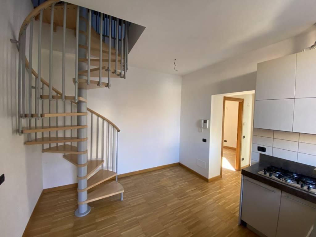 Appartamento in affitto a Monza, 2 locali, zona Zona: 1 . Centro Storico, San Gerardo, Via Lecco, prezzo € 750 | CambioCasa.it