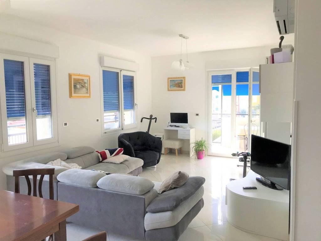 Appartamento in vendita a Taggia, 4 locali, prezzo € 490.000   PortaleAgenzieImmobiliari.it