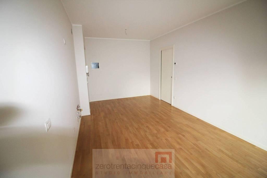 Appartamento in vendita a Scanzorosciate, 2 locali, prezzo € 115.000   CambioCasa.it