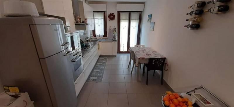 Appartamento in ottime condizioni arredato in affitto Rif. 7566038