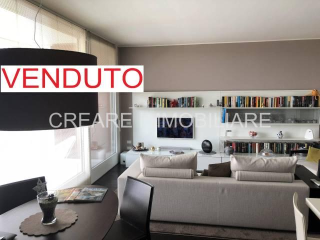 Appartamento in ottime condizioni arredato in vendita Rif. 7316754