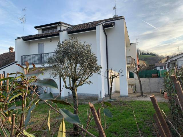 Villa in affitto a San Colombano al Lambro, 4 locali, prezzo € 650 | Cambio Casa.it
