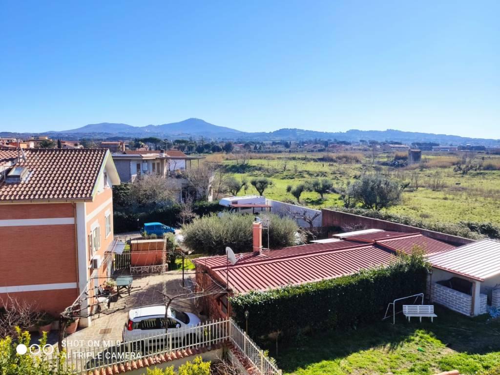 Appartamento in vendita a Ciampino, 4 locali, prezzo € 245.000 | CambioCasa.it