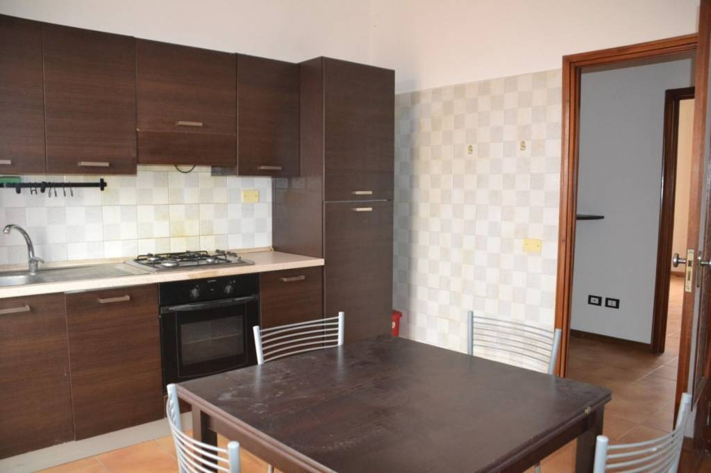 Appartamento in Vendita a Cascina Centro: 4 locali, 95 mq