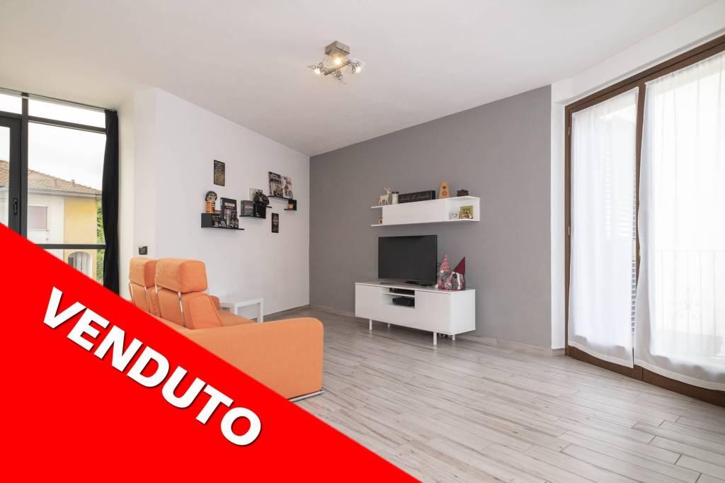 Appartamento in vendita a Azzate, 3 locali, prezzo € 160.000 | PortaleAgenzieImmobiliari.it