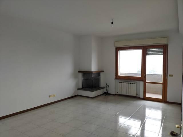 Appartamento in Vendita a Magione: 4 locali, 110 mq