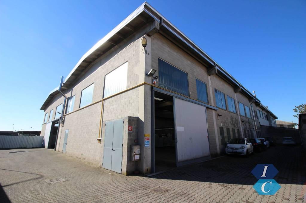 Capannone in vendita a Turate, 4 locali, prezzo € 690.000 | CambioCasa.it