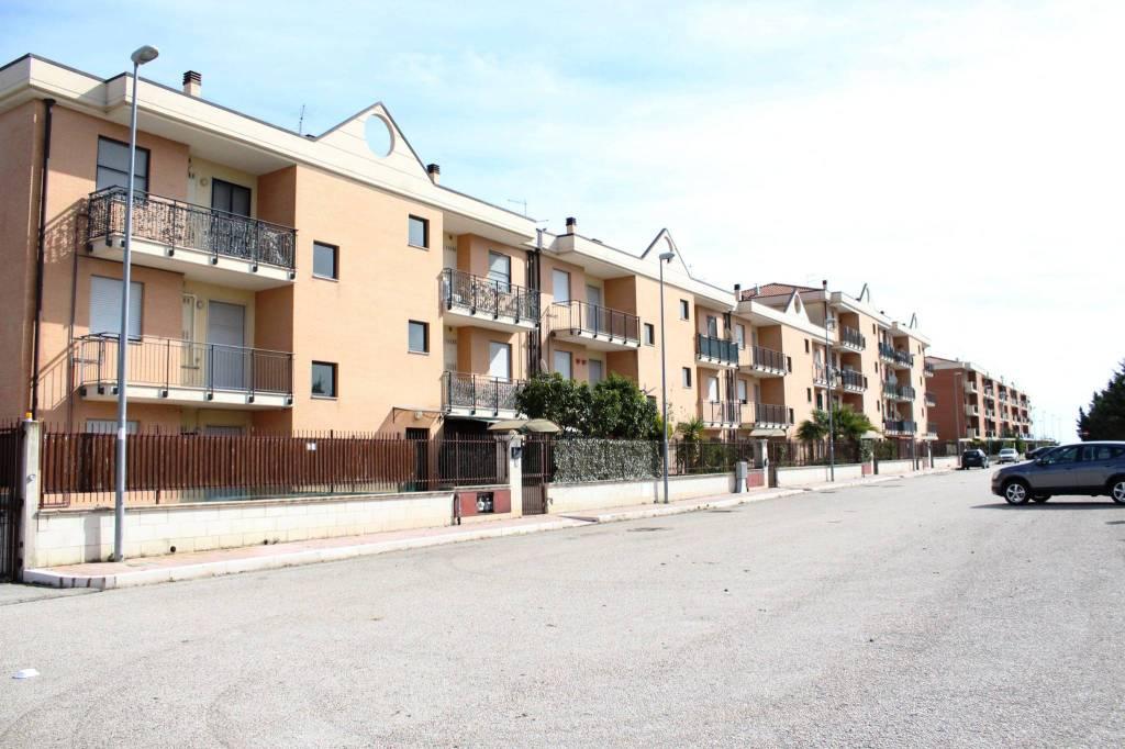 Appartamento in Vendita a Foggia Semicentro: 3 locali, 75 mq