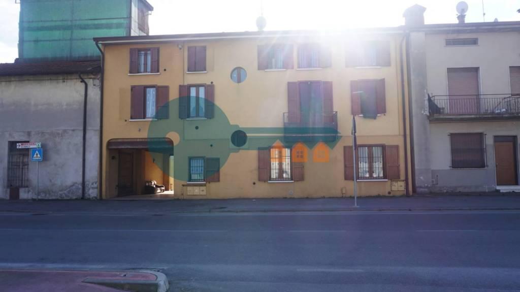 Appartamento in vendita a Ghedi, 3 locali, prezzo € 55.000 | PortaleAgenzieImmobiliari.it