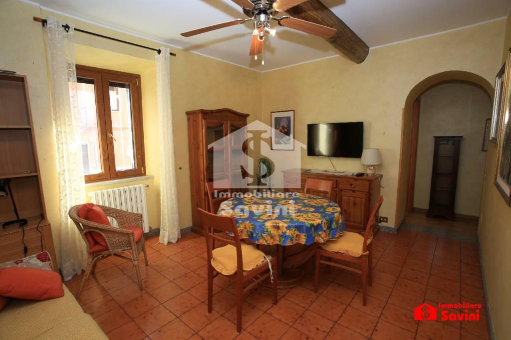 Appartamento in vendita a Genzano di Roma, 3 locali, prezzo € 98.000 | CambioCasa.it