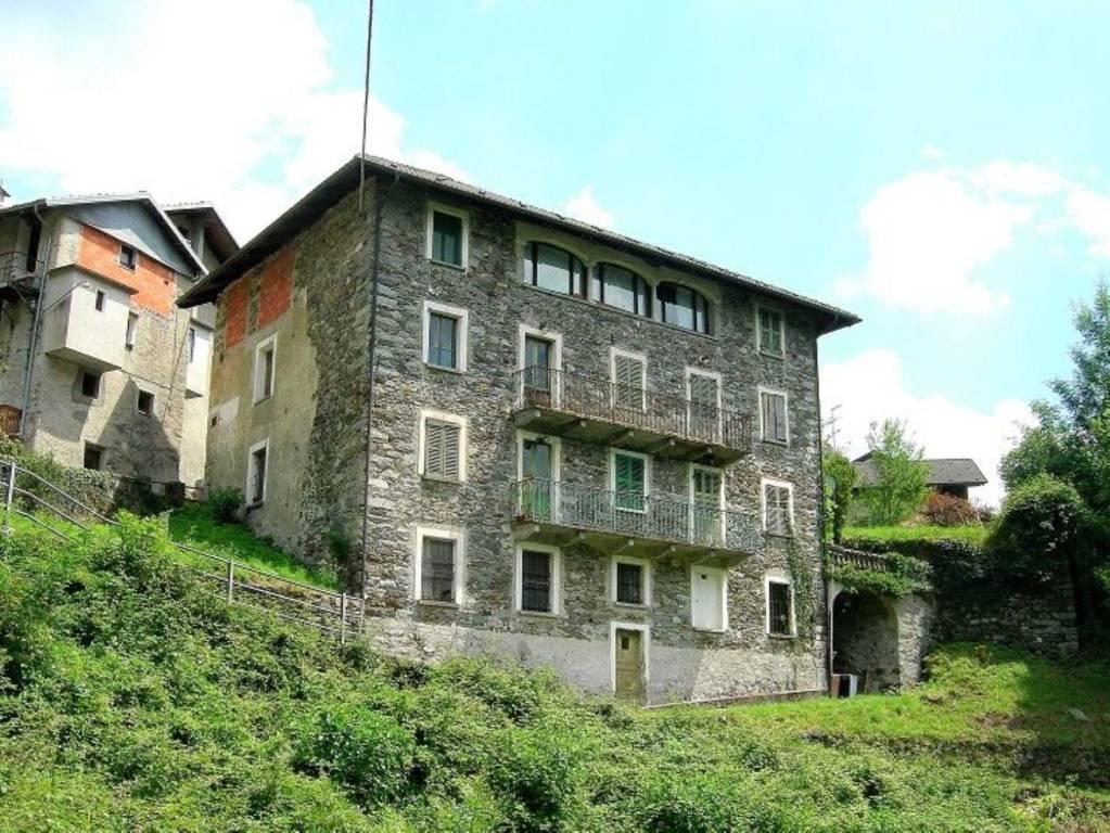 Villa in vendita a Varallo, 12 locali, prezzo € 75.000 | PortaleAgenzieImmobiliari.it