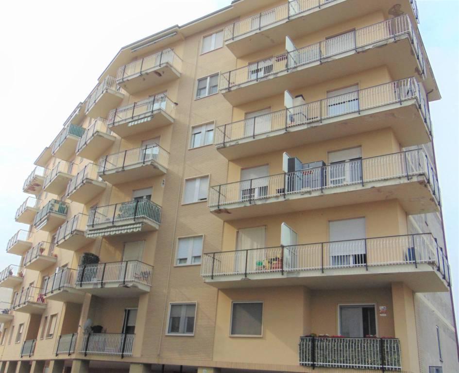 Appartamento in vendita a Beinasco, 3 locali, prezzo € 114.000 | CambioCasa.it