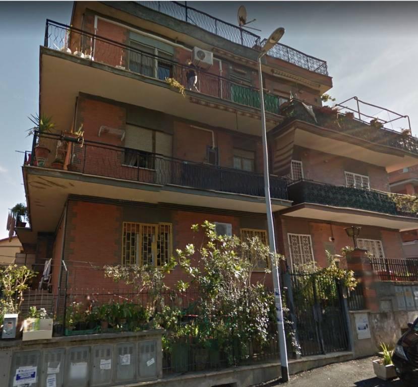 Appartamento in vendita a Roma, 3 locali, prezzo € 140.000 | CambioCasa.it