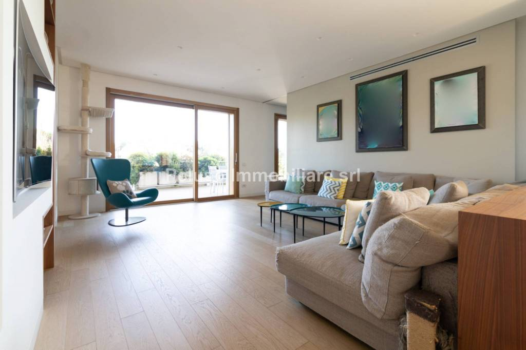 Appartamento in vendita a Roma, 5 locali, zona Zona: 17 . Aventino, San Saba , Piramide, prezzo € 2.190.000 | CambioCasa.it