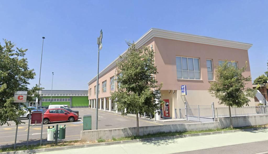 Ufficio / Studio in affitto a Castegnato, 3 locali, prezzo € 700 | CambioCasa.it