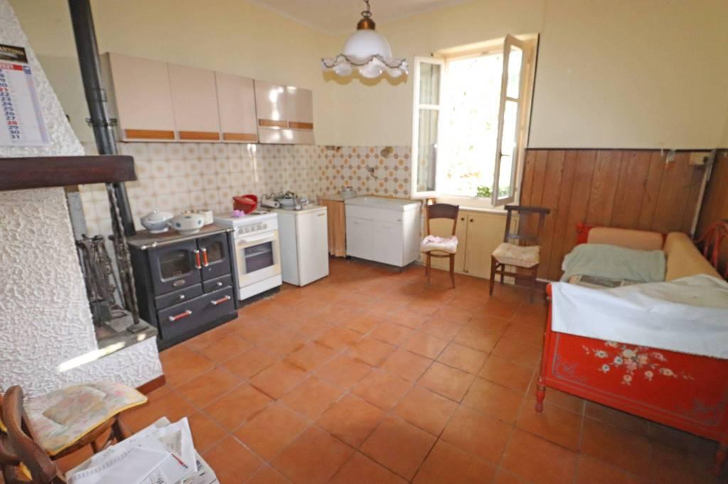 Soluzione Indipendente in vendita a Centallo, 4 locali, prezzo € 115.000   CambioCasa.it