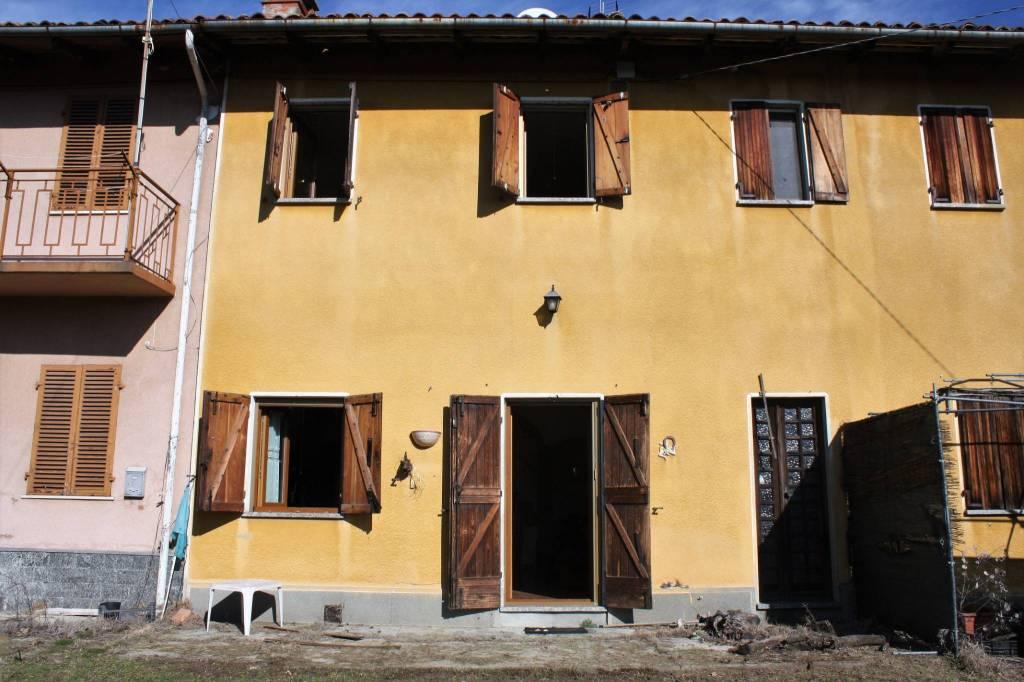 Villa in vendita a Mombello Monferrato, 4 locali, prezzo € 76.000   CambioCasa.it