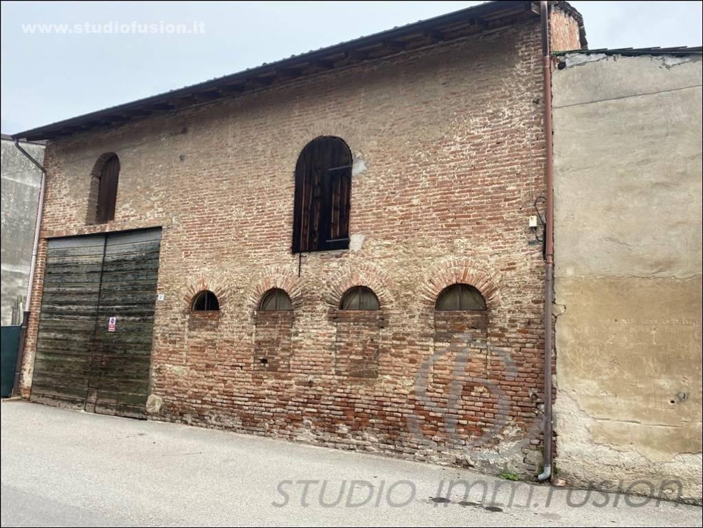 Rustico / Casale in vendita a Arena Po, 5 locali, prezzo € 55.000 | PortaleAgenzieImmobiliari.it