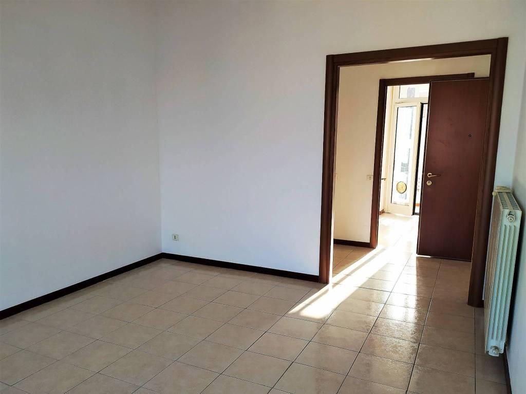 Appartamento in affitto a Novara, 3 locali, prezzo € 650 | PortaleAgenzieImmobiliari.it