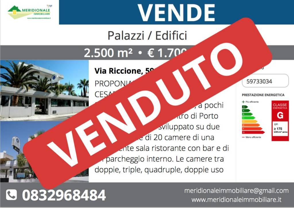 Palazzo / Stabile in Vendita a Porto Cesareo