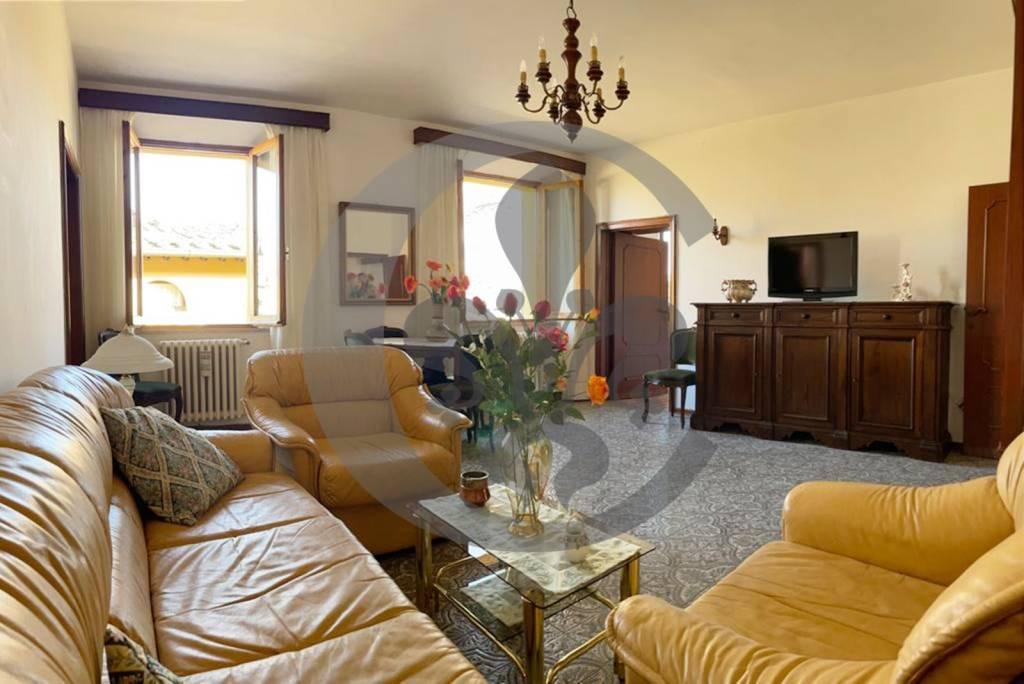 Appartamento in vendita a Chiusi, 6 locali, prezzo € 150.000   PortaleAgenzieImmobiliari.it