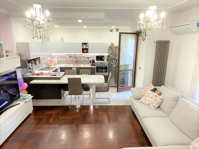 Appartamento in vendita via Moncenisio Nichelino
