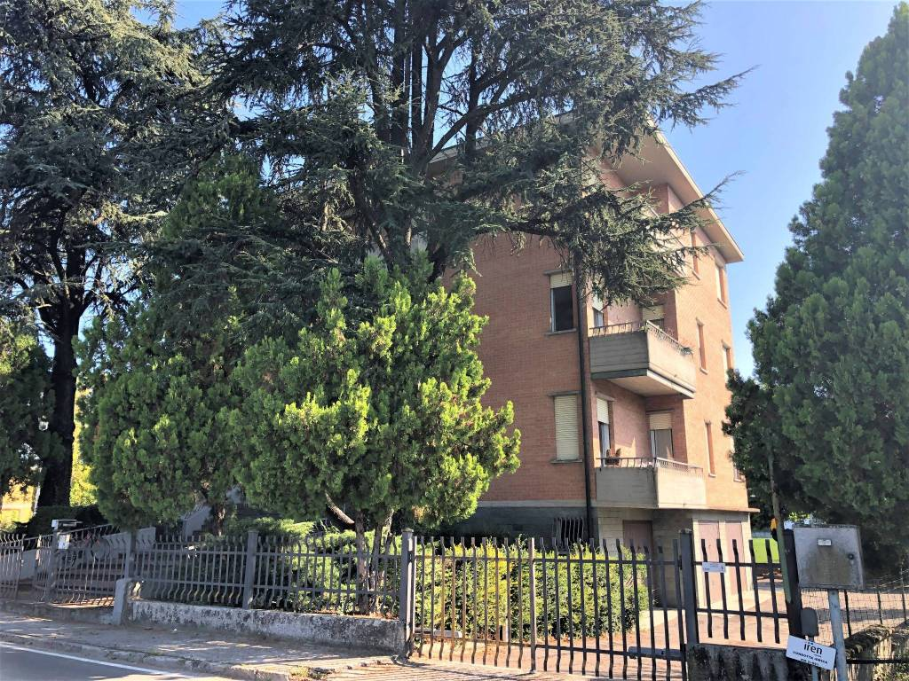 Appartamento in Affitto a Fontevivo Periferia: 4 locali, 110 mq