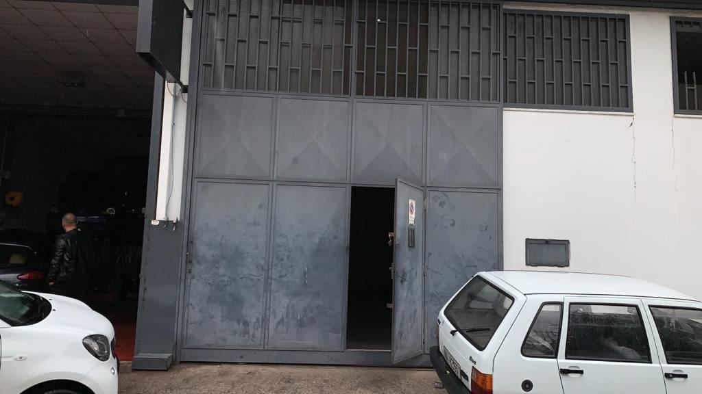 Negozio / Locale in vendita a Arzano, 9999 locali, prezzo € 289.000   CambioCasa.it