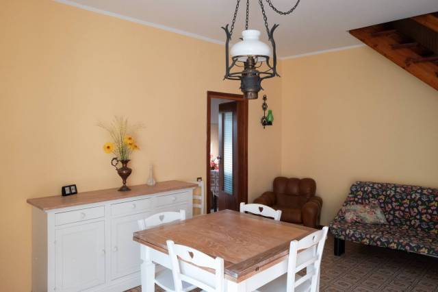 Casa Indipendente in buone condizioni arredato in vendita Rif. 6551559